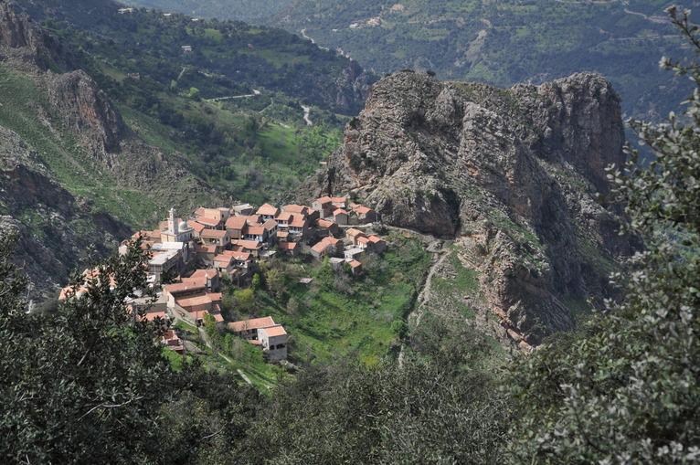 un village en haute kabylie les fustes de coyac